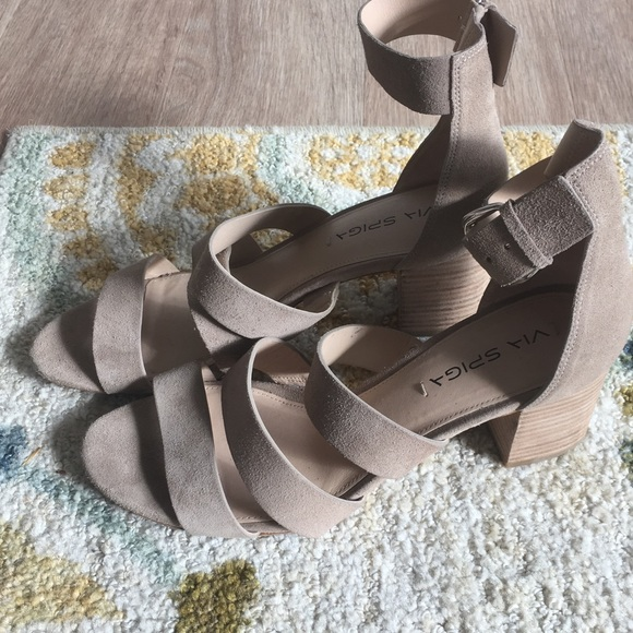Via Spiga Carys Suede Stacked Heel Sandal EGy079